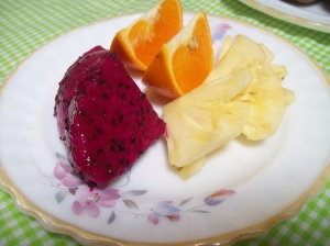 Buah-buahan segar, Menu Sahur dan Makanan Pertama Saat Berbuka