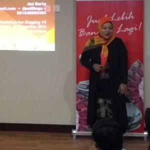 Mbak Ani Berta, Banyak Sekali Tips Penting Soal Social Media DI Materi Beliau